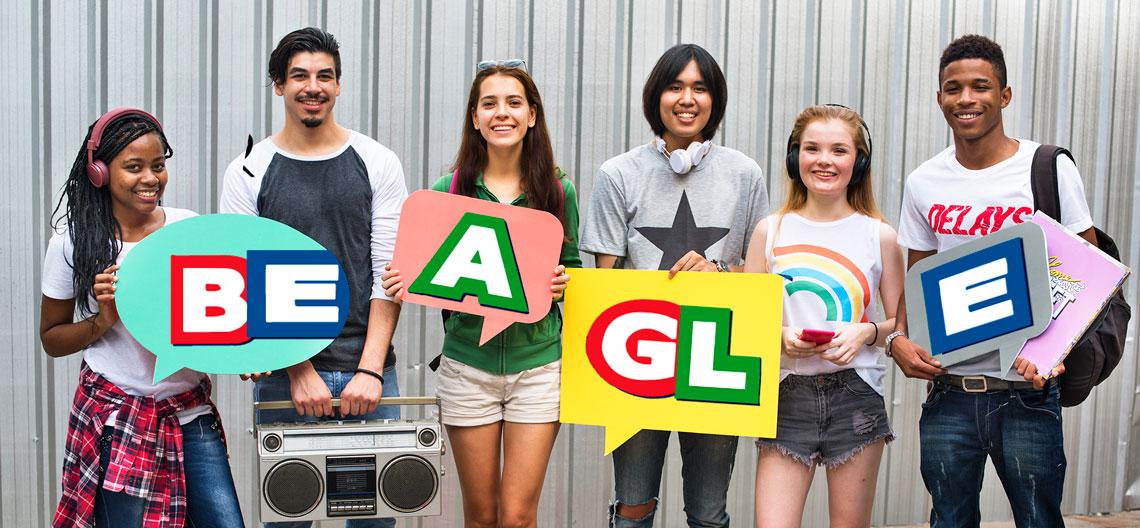 Jóvenes estudian Inglés B1 en Beagle Languages